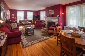 Living Room Theater North Bennington 3929 Route 7a Arlington Vt Real Estate Listing Mls 4371149