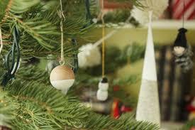 simple and modern diys scandinavian christmas tree ornaments