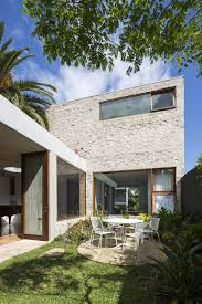 courtyard home courtyard house aileen architects archdaily