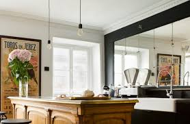 ilot de cuisine antique cuisine avec grand miroir ilot central meuble ancien p