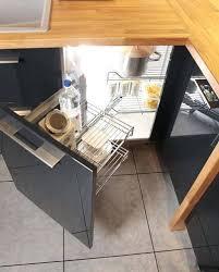 meuble d angle pour cuisine placard angle cuisine astuces pour meubles dangle amenagement