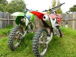 crf450r vs kx500 the ultimate shootout u2013 a modern four stroke