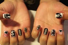 banksy inspired nail art astrowifey