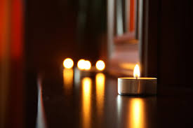 Candle Light Decoration At Home by 5 Cheap And Easy Ways To Achieve A Warm And Cozy Interior