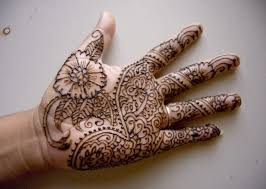 simple coolest henna flower tattoo design image make on hand palm