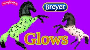 Breyer Horses 2015 Glow In The Dark Ichabod Halloween Horse Review