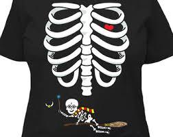 Pregnancy Halloween Costumes Skeleton Halloween Pregnancy Shirt Baby Announcement Skeleton Shirt