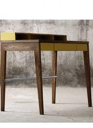 bureaux bois massif bureau compact en bois massif avec rangements intégrés par mint