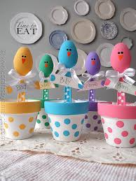Easy Homemade Easter Table Decorations by 5 Easy Affordable Diy Easter Table Centerpieces Latina Moms
