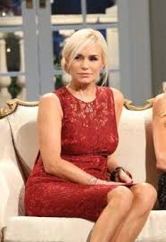 yolanda foster hair color get yolanda foster s rhobh reunion beauty look ok magazine