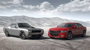 dodge charger vs challenger dodge charger and dodge challenger similarities and differences