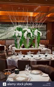 Dining Room Flower Arrangements - flower arrangements in dining room of le bernardin restaurant new