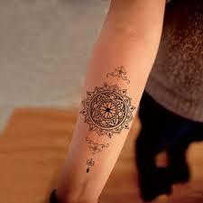 mandala tattoo zum aufkleben 1001 ideen für mandala tattoo für männer und frauen kleines