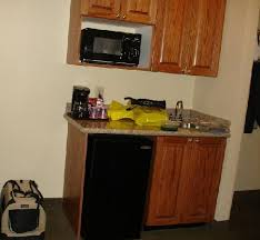 wet bar area picture of holiday inn express claypool hill