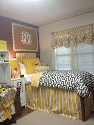 Seventeen Zebra Darling Bedroom Set 6 Tips For Keeping Your Dorm Room Organized Dorm Dorm Room And