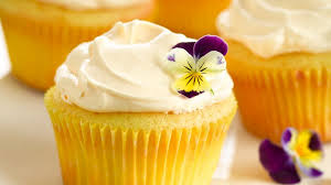 lemon crème cupcakes recipe bettycrocker