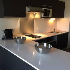 plan de travail cuisine quartz ou granit photos de plans de travail de cuisine en quartz et granit annee