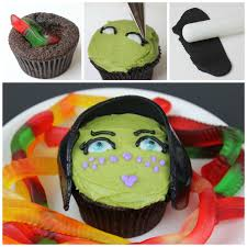 Halloween Brain Cake by Barriss Offee Cupcakes With Hidden Brain Worms Starwars Com