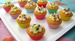 cuisiner avec des enfants les cupcakes natures une recette facile à faire avec enfant