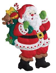 here comes santa bucilla wall hanging kit