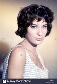 bernadette hairstyle how to bernadette lafont a double tour 1959 directed by claude
