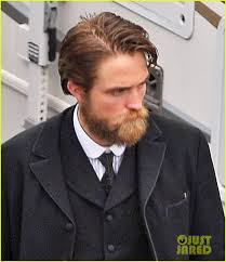 how to get thecharlie hunnam haircut charlie hunnam robert pattinson suit up sport facial hair on