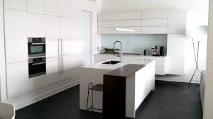 cuisine en verre blanc meuble cuisine blanc laque 2 cuisine verre 201b232ne mineral bio
