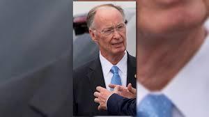 Robert Bentley Alabama Gov Robert Bentley Resigns 11alive Com