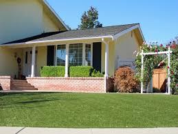 Backyard Artificial Grass by Best Artificial Grass Leming Texas Best Indoor Putting Green