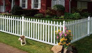 cloture jardin bois clôture de jardin à barreaudage en bois newbury certain teed
