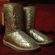 womens paw boots size 11 49 bearpaw boots bearpaw silver glitter silver lambs wool