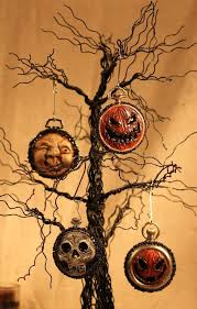 Halloween Tree Ornaments Happier Than A Pig In Mud Halloween Tree 2013 349 Best Halloween