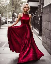 of the gowns best 25 burgundy gown ideas on gowns maroon