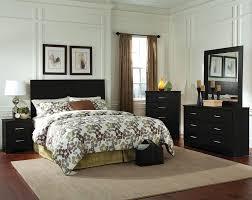 King And Queen Bedroom Decor Bedroom Modern Bedroom Furniture Modern Queen Bedding Sets