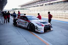 nissan gtr nismo gt3 michael caruso tests bathurst winning nissan gt r nismo gt3 at