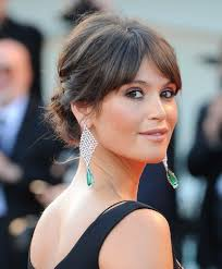 hairstyles with height at the crown gemma arterton s updo with height in the crown to show off earings