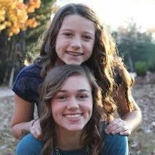 sadie robertson cute dimples celebrities willie s two daughters sadie and bella robertson willie and