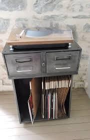 le de bureau ancien meuble de bureau en metal pièce unique matériaux utilisés