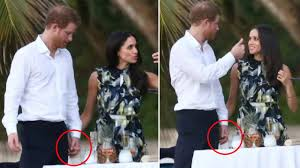 Meghan Markle And Prince Harry Prince Harry And Meghan Markle Very Cozy As They Holds Hands At