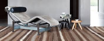 Meuble Le Corbusier Le Corbusier Et Sa Fameuse Chaise Longue Lc4 Mobili Meuble