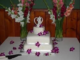 heart shaped wedding cakes square wedding cake with a heart shaped wedding cake top