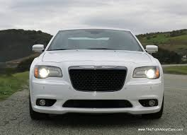 2013 chrysler 300 srt8 infotainment uconnect 8 4 picture