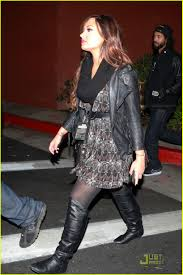 what to wear to halloween horror nights demi lovato u0027happier and healthier u0027 at halloween horror nights