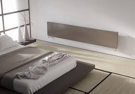 radiateur pour chambre radiateur en acier caractérisé par une plaque en acier cintré aux côtés