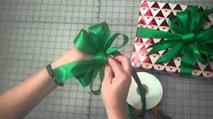 tying gift bows how to make a 3 loop gift bow by s gift wrappers
