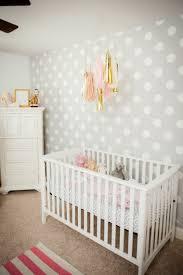 idees deco chambre bebe déco mur chambre bébé 50 idées charmantes