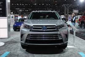 toyota auto car 2017 toyota highlander gets revised look 8 speed auto live photos