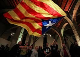 Picture Of Spain Flag Katalanische Separatisten Für Puigdemont Als Regierungschef