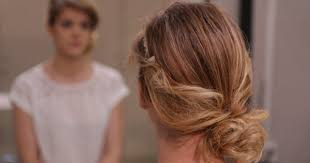 cuisiner des chignons en boite tuto coiffure un chignon romantique facile à faire