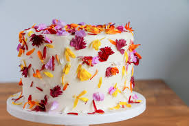 decoration flowers how to use fresh flowers in cake decorating